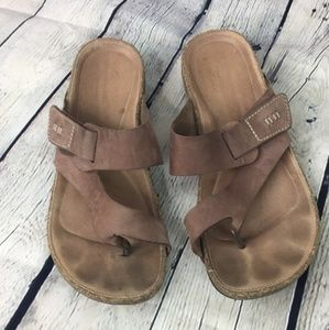 Clarks women's tan leather sandals size 8M